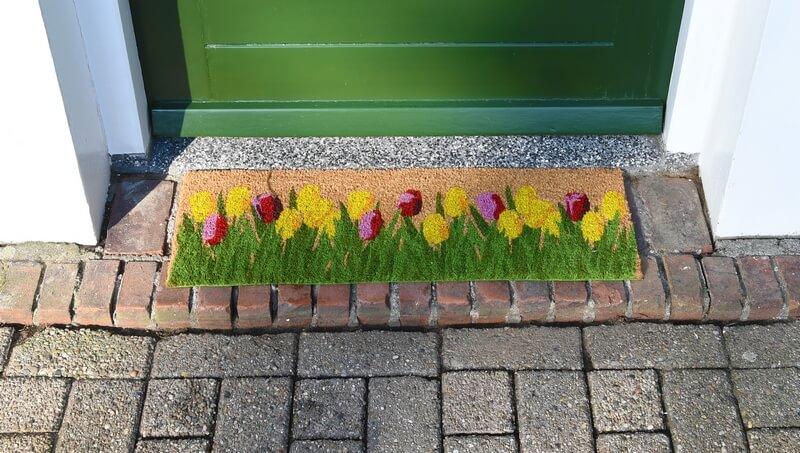 Tulipános kókuszrost lábtörlő 75 x 25 cm