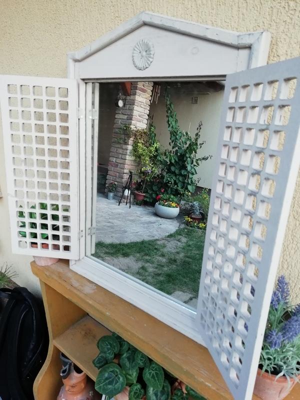 Ablak alakú tükör