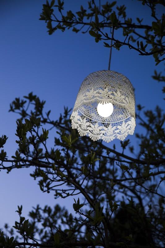 Fehér mennyezeti lámpa