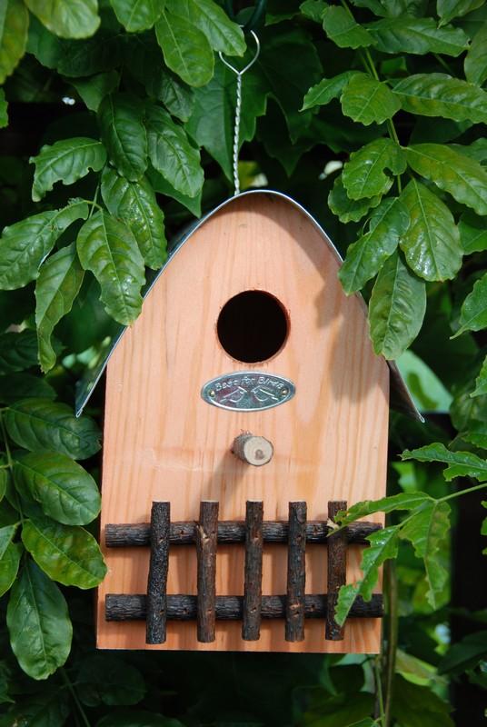 Felakasztható madárház
