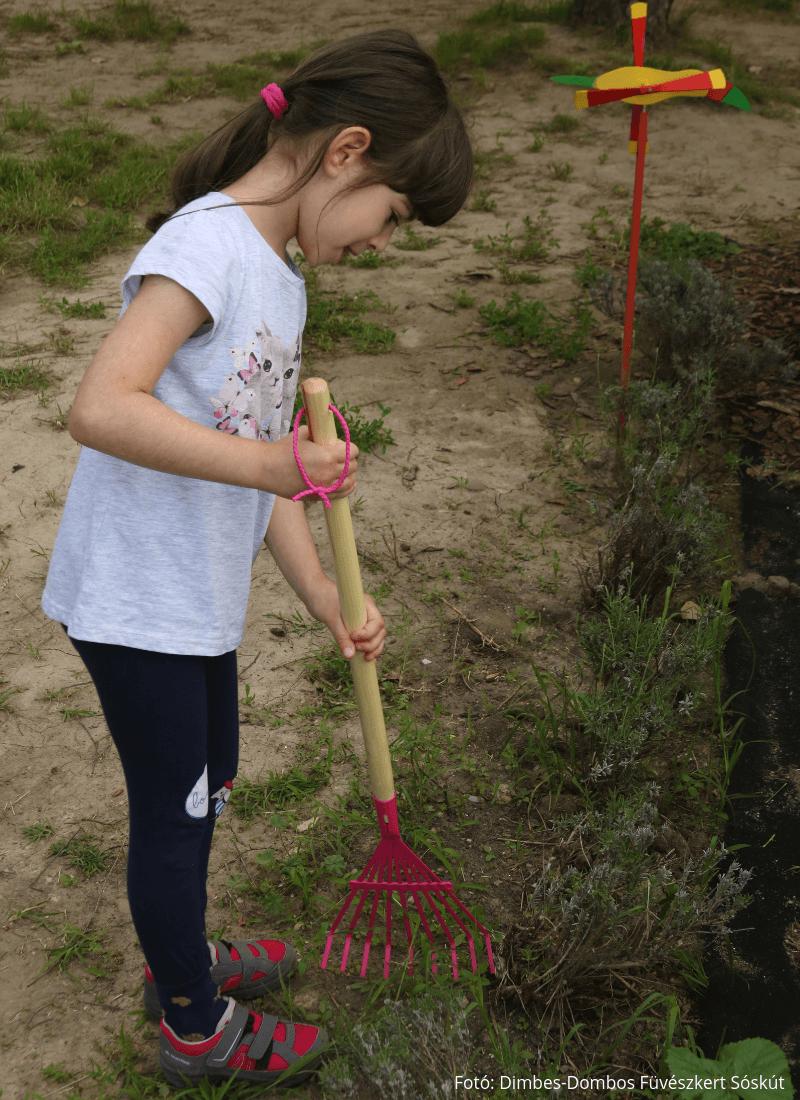 Gyerek lombseprű 4 színben