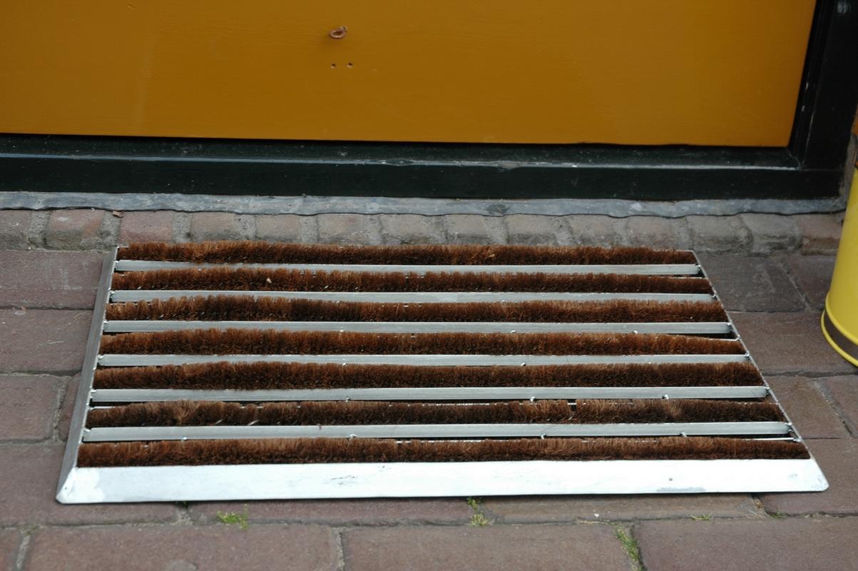 Kókuszrost lábtörlő, horganyzott kerettel 60 X 40 CM