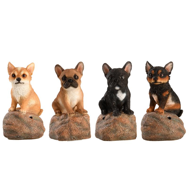 Kövön ülő ugató kiskutya polyresin szobor, négyféle