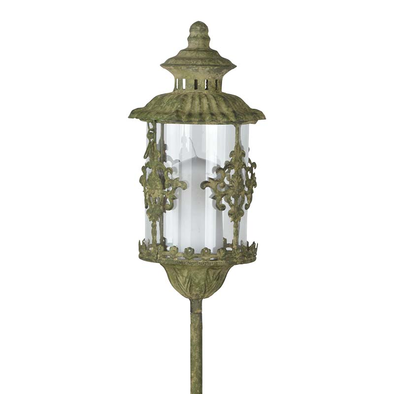 Rusztikus fém leszúrható lámpás