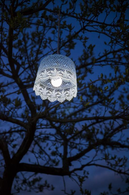Színes csipkés lámpa