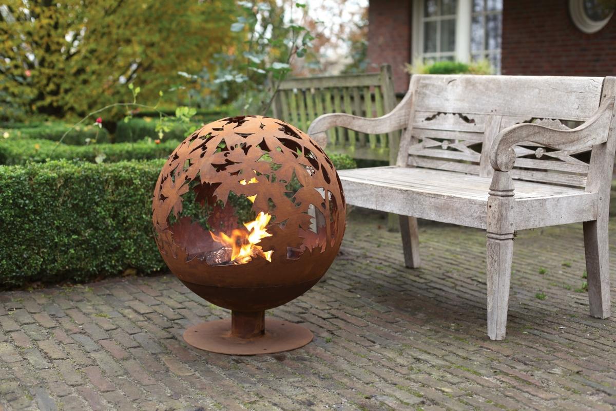 Tűzrakó gömb, levél mintával