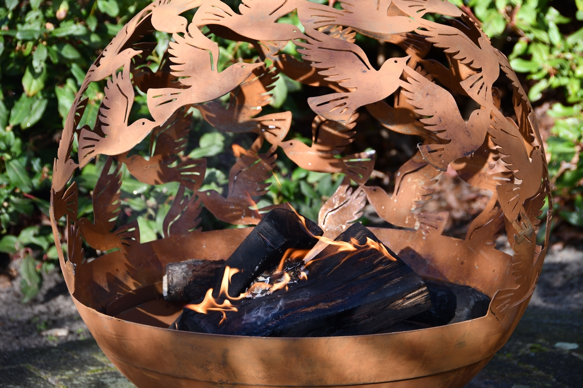 Tűzrakó gömb, madár mintával