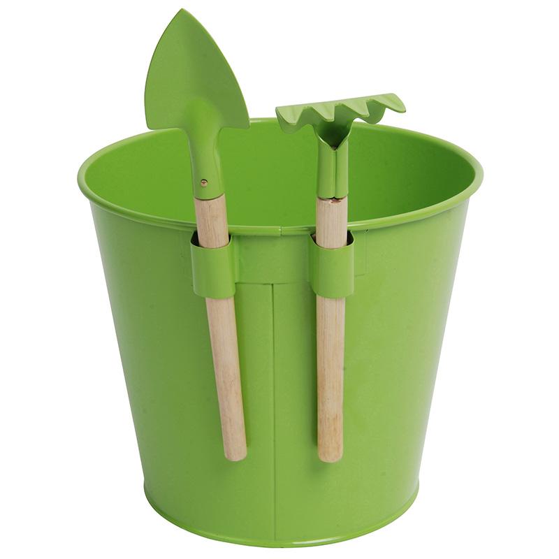 Gyerek vödör kerti eszközökkel