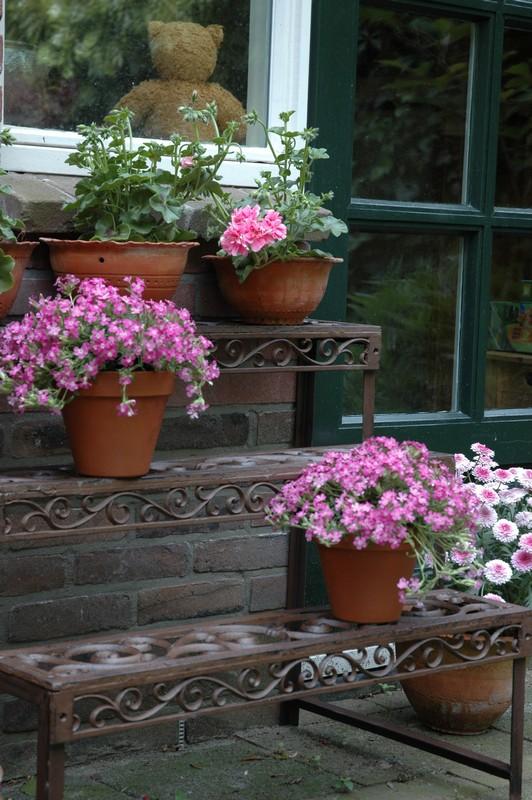Virágtartó állvány
