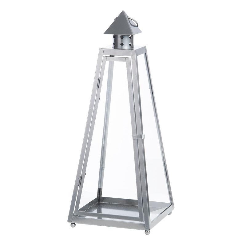 Piramis alakú fémből készült lámpás, L